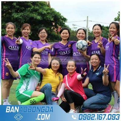 Áo bóng đá nữ màu tím
