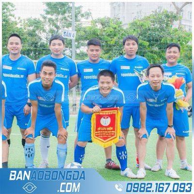 áo đấu bóng đá màu xanh da trời