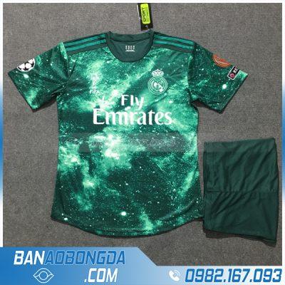 Quần áo câu lạc bộ Real màu xanh rêu