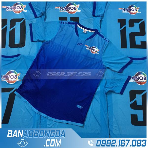 Áo bóng đá màu xanh dương 2020