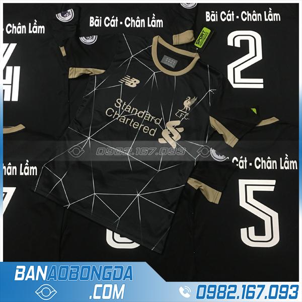 áo đấu bóng đá màu đen mới