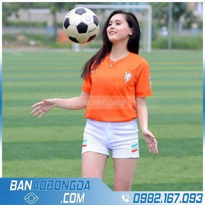 áo đá bóng nữ màu cam