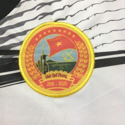 Thêu logo lên áo đấu