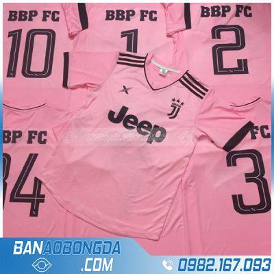 Áo đấu bóng đá màu hồng in đẹp mắt